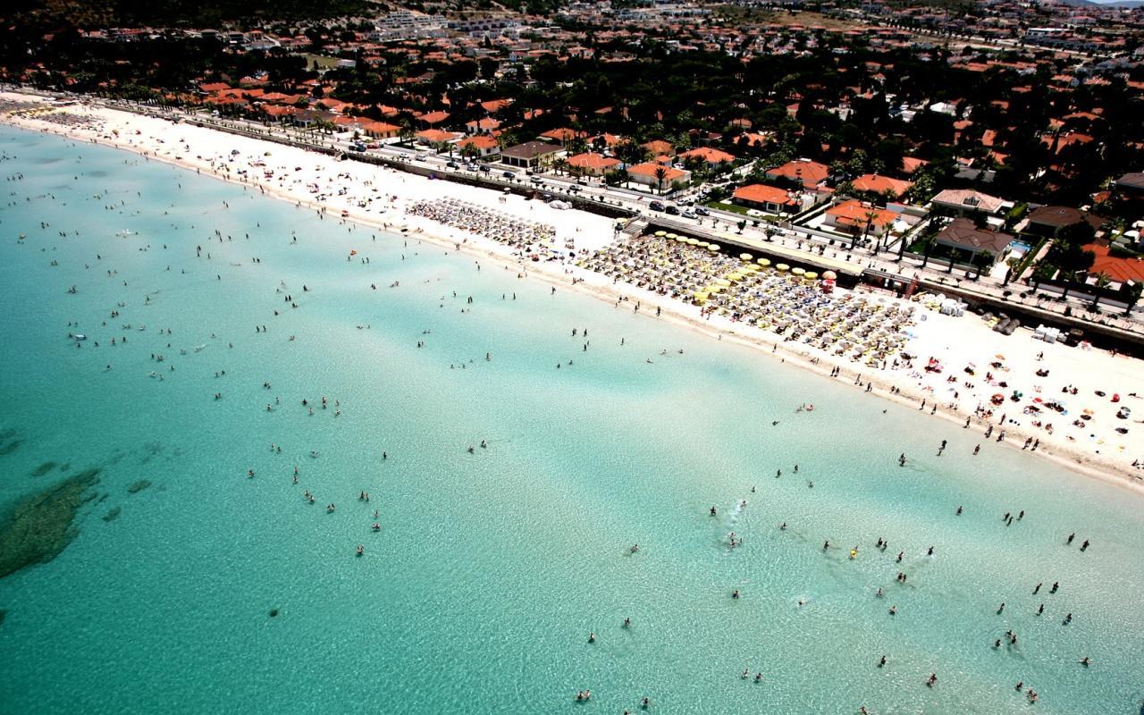 İzmir Çeşme'de oteller bayram rezervasyonlarını doldurdu