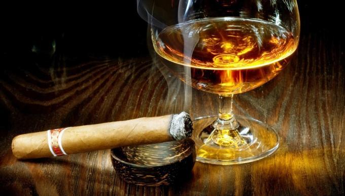 Sigara ve alkole yeni zam geldi! İşte yeni fiyatlar