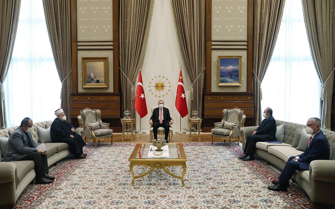 Cumhurbaşkanı Erdoğan Mescid-i Aksa İmamı Şeyh İkrime Sabri'yi kabul etti