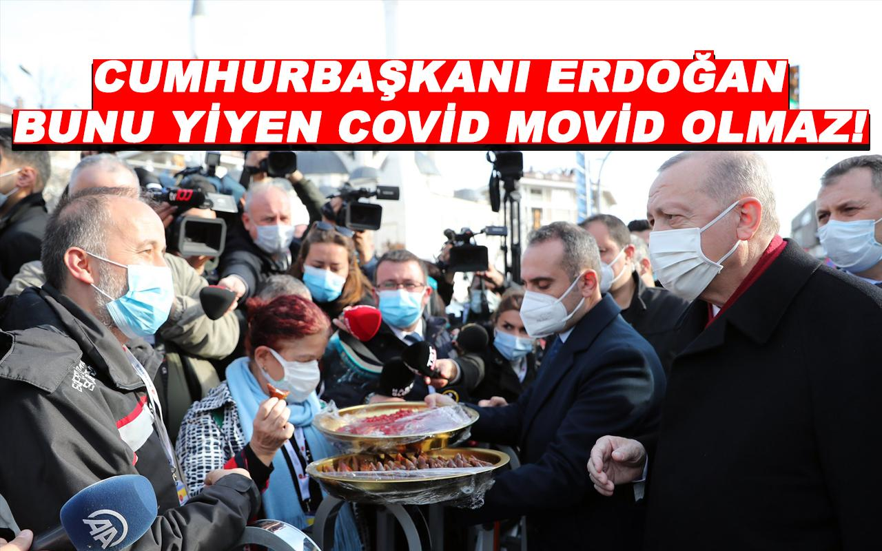 Cumhurbaşkanı Erdoğan vatandaşlara tatlı ikram etti