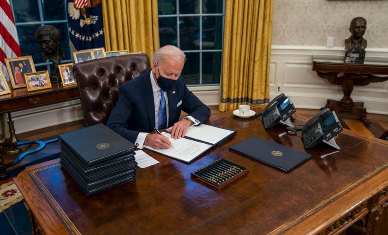 ABD Başkanı Joe Biden, Trump'ın izlerini sildi