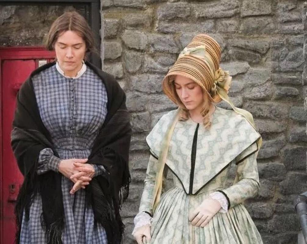 Ammonite filminin yıldızı Saoirse Ronan Kate Winslet'le olan sevişme sahneleri için öyle bir laf etti ki!