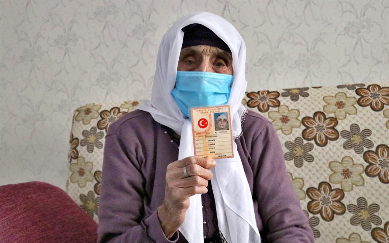 Elazığ'lı 102 yaşındaki Şahide nine koronayı yendi!